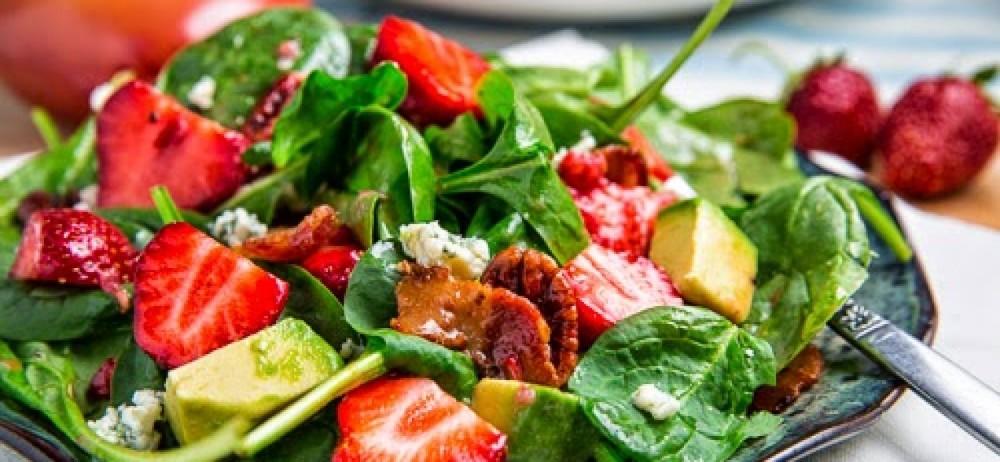 ensalada-de-espinacas-con-fresas-con-Orito-1728x800_c