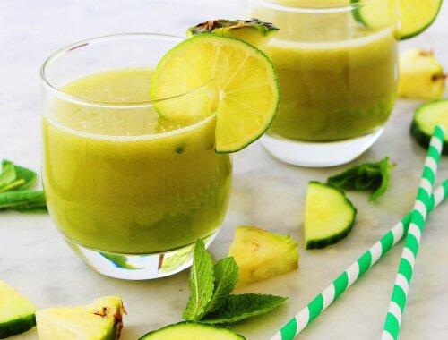 Licuado-de-manzana-piña-menta-y-limón-para-relajarnos1