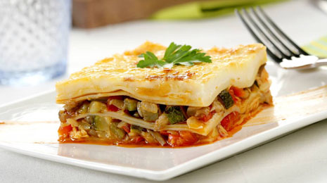food;lasagne;lasagne;vegetables;vegetables;tuna;fatty fishes;albacore;pasta;pastry;peppers;red;green;courgettes;zucchinis;aubergines;eggplants;mushrooms;wild mushrooms;gratinŽ;gratinŽ;baked;baked;baked