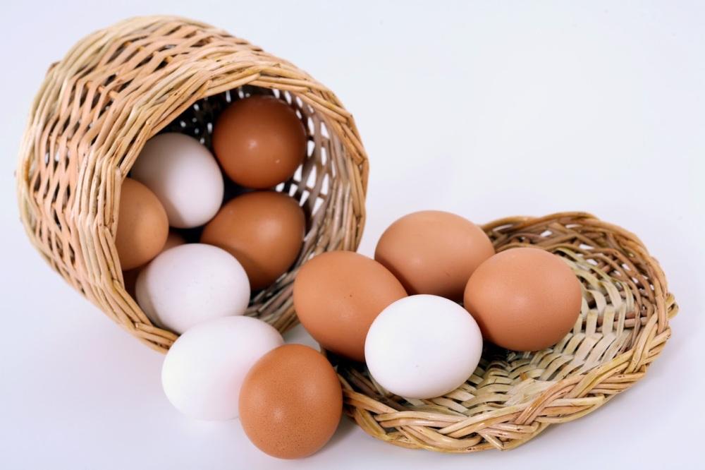 clases de huevos , huevos de gallina, tipos de huevos