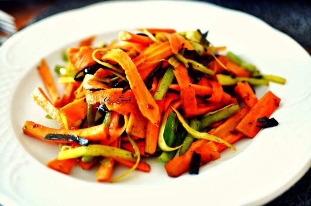 Zanahoria-puerro-y-pimiento-con-algas-al-Wok-1600x1062_1