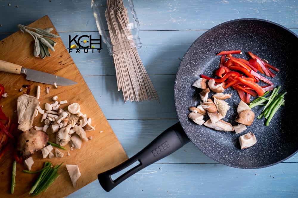 wok-de-fideos-con-verduras-y-setas-shitake