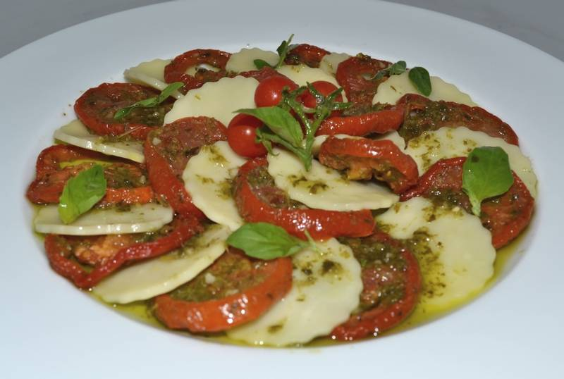 623-recipe-tomato-carpaccio-washers-dried-basil-mozzarellahees
