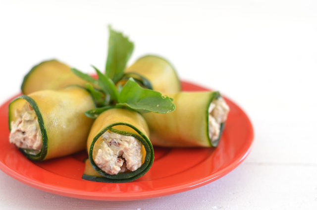 Cómo-preparar-rollitos-de-pepino-y-aguacate-en-seis-pasos2