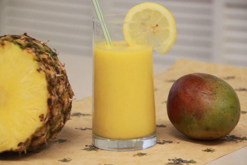 mango-piña-smoothie