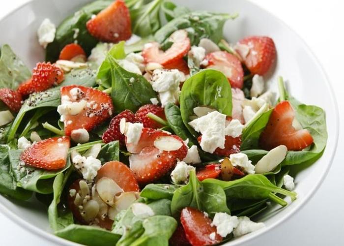 Ensalada-de-espinacas-y-fresas