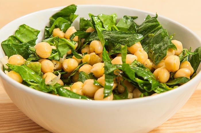 receta-de-ensalada-de-garbanzos-y-espinacas